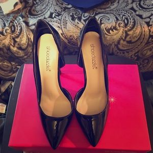 Shoedazzle Patent Leather pointed toe pumps